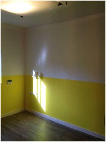 צביעת חדר בצהוב חצי חצי עיצוב חדרי שינה