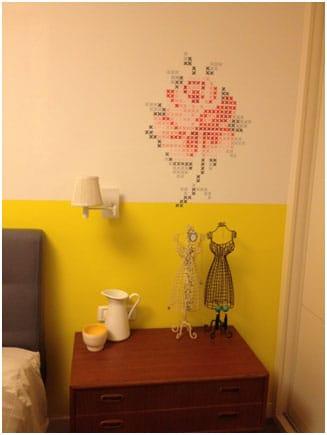 עיצוב חדרי שינה צביעה חצי חצי בצהוב זועק
